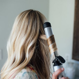 Secret to Perfectly Beachy Waves with the Beachwaver