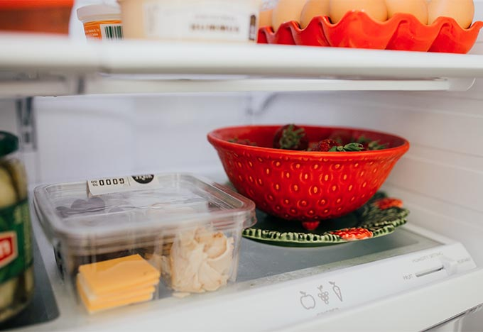 Keep Your Fridge Clean And Organized