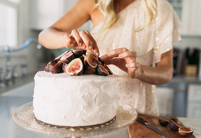 Whiskey & Lace Blog - My Go-To Cake Trick